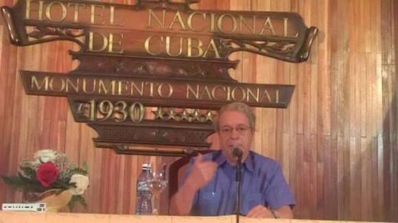 Frei Betto ofrece conferencia de prensa sobre la visita del Papa Francisco a Cuba en la Sala de Prensa ubicada en el Hotel Nacional. (Foto: Jorge Legañoa)