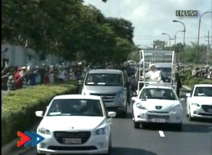 Recorrido del Papa por Holguín. (Foto: TVC)