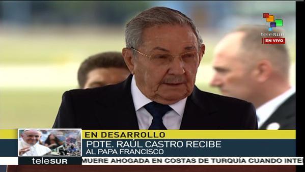 Presidente cubano pronuncia discurso de bienvenida al Papa Francisco. (Foto: captura de televisión)