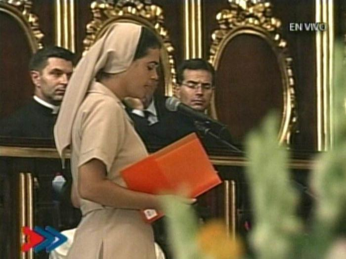 Religiosa cubana comparte ante el Papa su testimonio de vida.