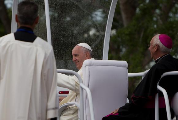 El Papa llega a El Cobre.