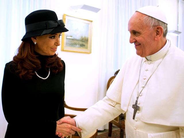 Cristina viaja a Cuba para sostener un nuevo encuentro con el Papa Francisco.