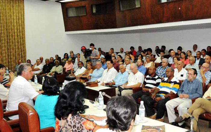Entre los temas tratados se encuentran el contexto de las relaciones Cuba-Estados Unidos y las posibilidades del diálogo interreligioso. (Foto: Jorge Luis González)