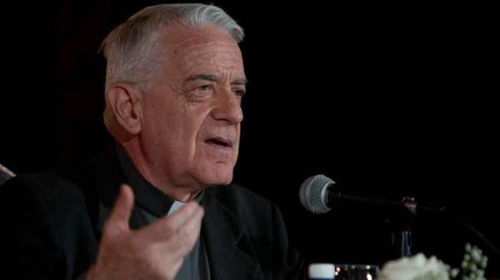 Federico Lombardi, portavoz del Vaticano. (Foto: twitter de Rosa Miriam Elizalde)