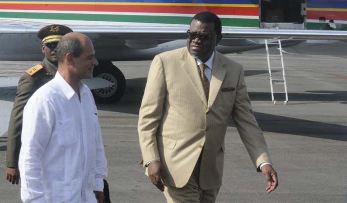 Hage Gottfired Geingob fue recibido este lunes en La Habana por Rogelio Sierra. (Foto: Oriol de la Cruz / AIN)