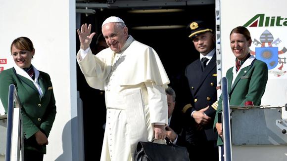 El Sumo Pontífice parte hacia Holguín. (AFP)