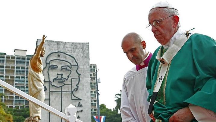 Papa Francisco en la Plaza de la Revolución. (Foto: Vatican Insider)