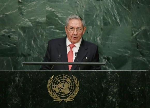 No renunciaremos jamás a la dignidad, la solidaridad humana y la justicia social, que son convicciones profundas de nuestra sociedad socialista, concluyó Raúl.