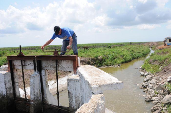 La reparación de la infraestructura de riego repercute en el mejor uso del agua.