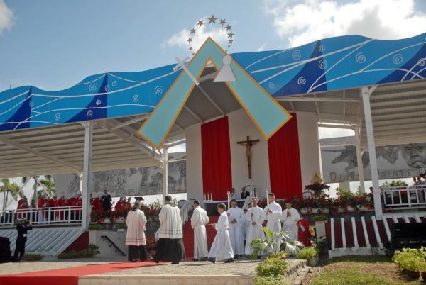 cuba, papa francisco en cuba, holguin, misa, santa misa, raul castro, vaticano