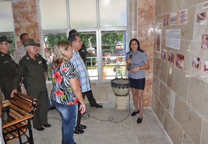 Remembranzas de la polic a nacional revolucionaria en for Ministerio del interior policia nacional