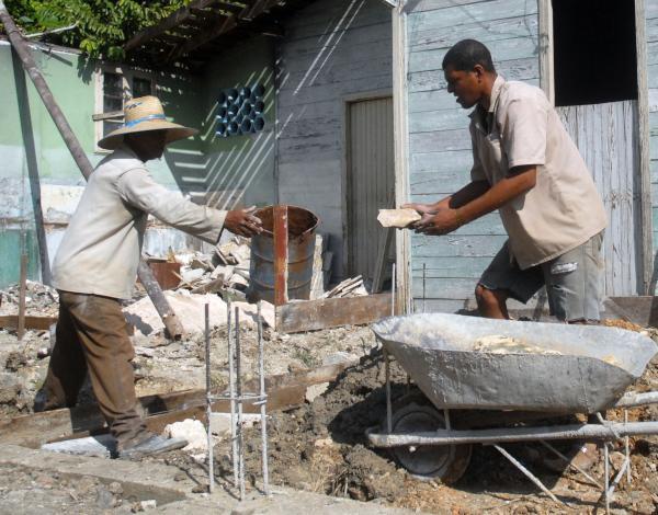 El otorgamiento de subsidios destinados a la adquisición de materiales de la construcción figura entre los objetivos a comprobar. (Foto: Oscar Alfonso)