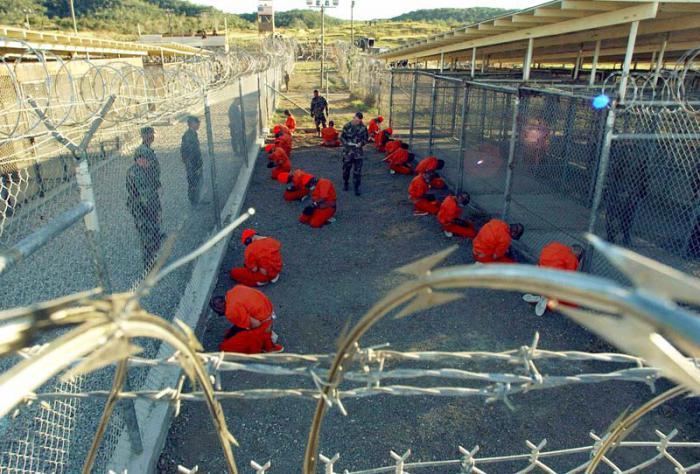 Actualmente permanecen en Guantánamo 113 reos, 53 de los cuales están autorizados para salir cuando se encuentre un lugar de destino. (Foto AP)