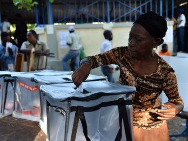 Casi seis millones de electores están empadronados para sufragar con el fin de elegir presidente, legisladores y autoridades locales. (Foto AFP)