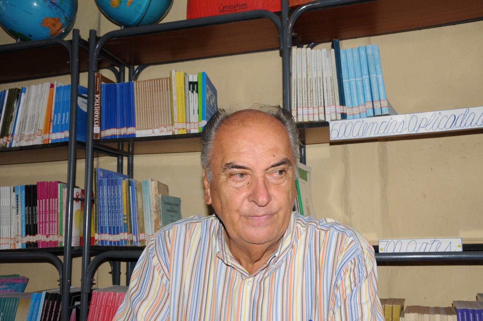 """""""Nunca he dejado de dar clases"""", asegura Argilio. (Foto Vicente Brito)"""