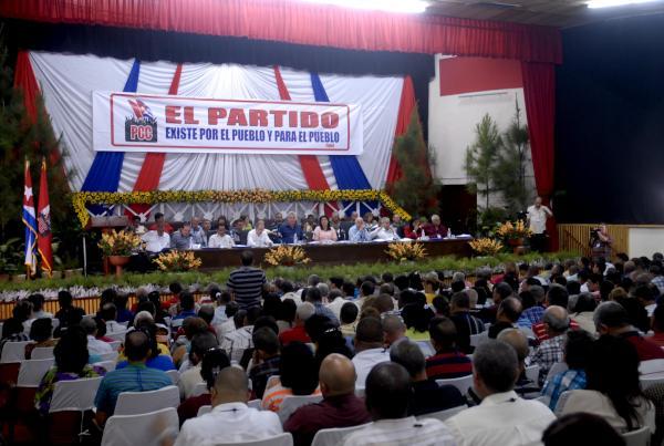 Las asambleas son ejemplos en la búsqueda de resultados en cada territorio, aseguró Machado Ventura. (Foto AIN)