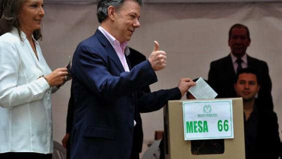 Santos hizo un llamado a que después de la jornada electoral el país se una para conseguir la paz. (Foto AFP)