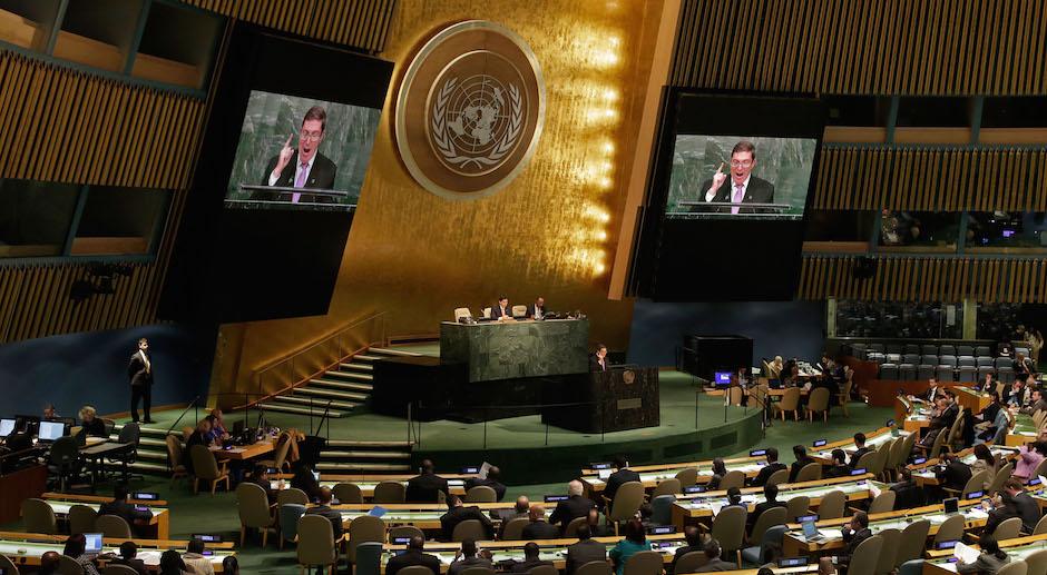 Por vigesimocuarta ocasión consecutiva, el principal foro deliberativo de la ONU llama a eliminar el bloqueo. (Foto AP)