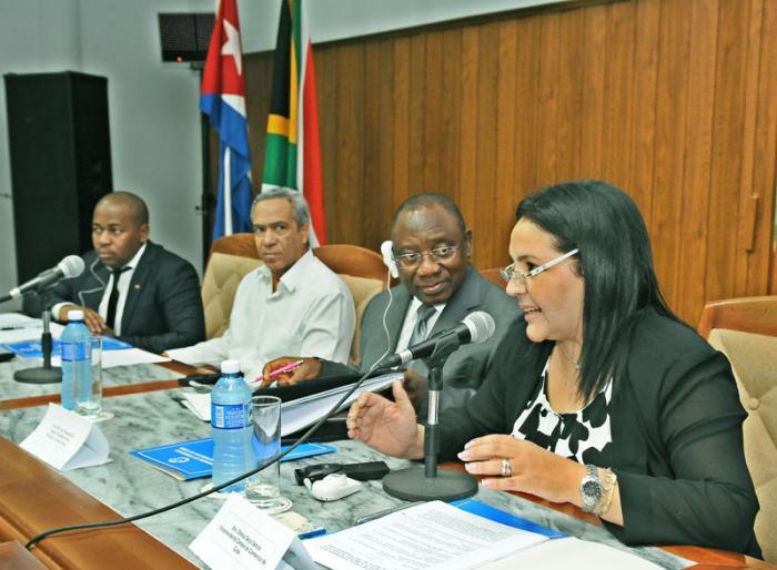 cuba, sudafrica, salud pubica,  industria biofarmaceutica