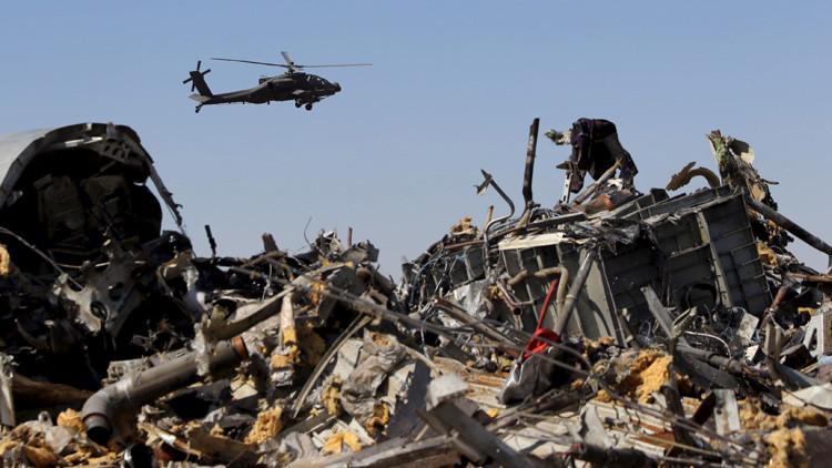 Restos del avión ruso Airbus A321 accidentado en Egipto.