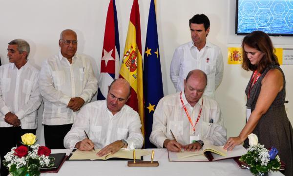 Los acuerdos fijan marcos de actuación para facilitar a los inversionistas españoles la entrada al mercado cubano. (Foto AIN)