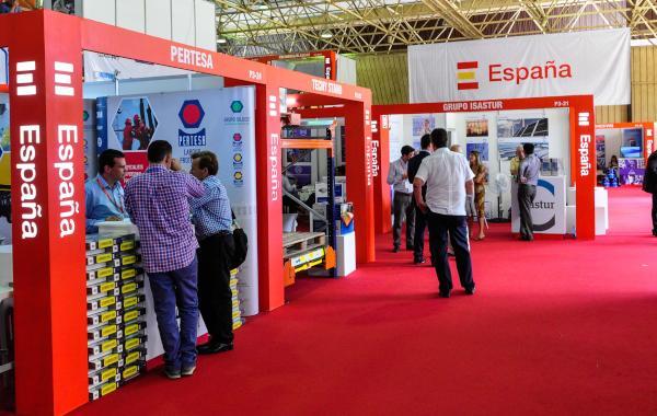 La diversa y amplia participación del empresariado español representa el 25 por ciento del total de expositores en FIHAV 2015. (Foto AIN)