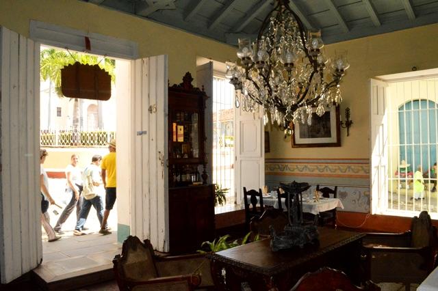 El inmueble, localizado en la confluencia de las calles Real y Desengaño, constituye uno de los más antiguos de la villa. (Foto Carlos Luis Sotolongo)