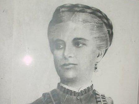 Para los espirituanos constituye un privilegio y un orgullo la presencia en la muestra de Isabel María de Valdivia, la madre del Mayor General Serafín Sánchez Valdivia.