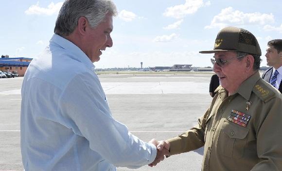 Raúl fue recibido por Miguel Díaz-Canel Bermúdez, primer vicepresidente de los Consejos de Estados y de Ministros. (Foto Cubadebate)