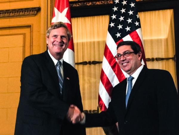 El canciller cubano recibió este viernes al secretario de Agricultura de Estados Unidos, Thomas Vilsack. (Foto ACN)
