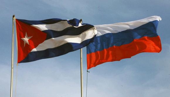 Banderas de Cuba y Rusia. (Foto: Archivo)