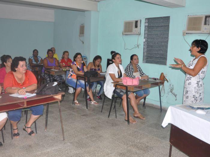 Desde enero de este año la Escuela emprendió la asimilación y adecuación de nuevos programas e iniciativas como parte del proceso preparatorio con vista al VII Congreso del Partido.