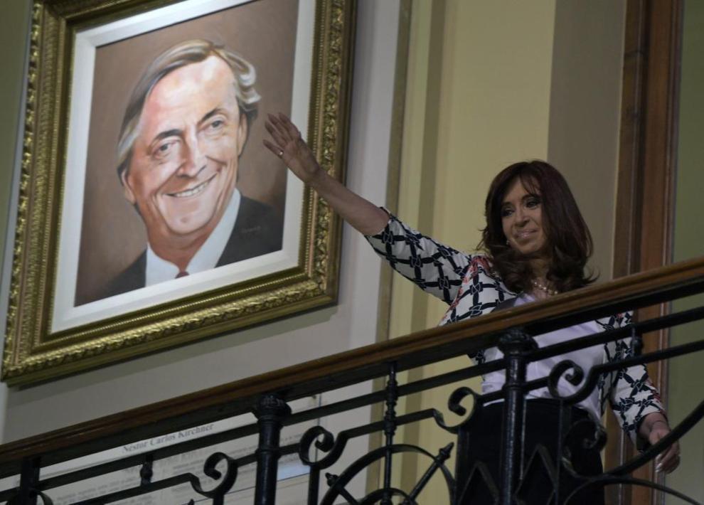 El nuevo gobierno argentino pretende revisar todas las medidas que promulgó el gobierno saliente de Cristina Fernández. (Foto AFP)