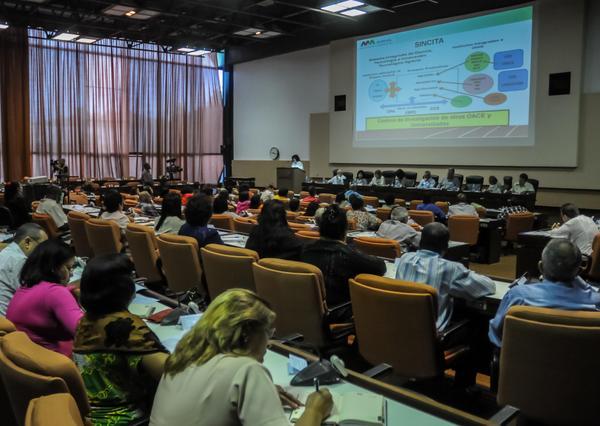 Participantes en la  comisión de Educación, Cultura y Medio Ambiente de la Asamblea Nacional del Poder Popular.  (Foto ACN)