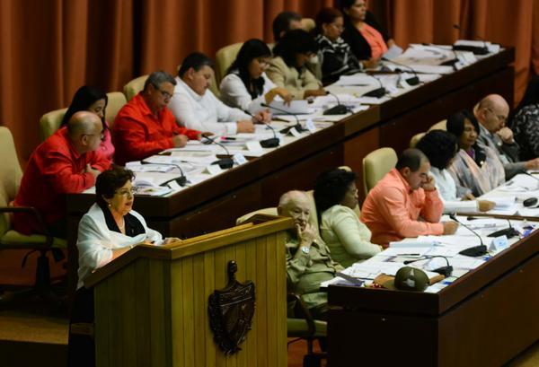 Lina Pedraza, ministra de Finanzas y Precios, presentó el proyecto de Ley del presupuesto para el 2016. (Foto ACN)