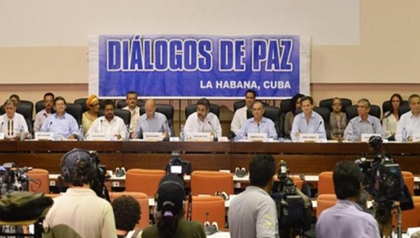 Representantes del Gobierno colombiano y de las insurgentes FARC-EP anunciarán este martes el acuerdo sobre el tema de víctimas. (Foto Telesur)
