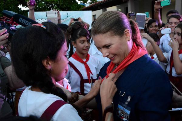 La artista puertoriqueña agradeció al pueblo por el cariño y el respeto que le profesan. (Foto ACN)