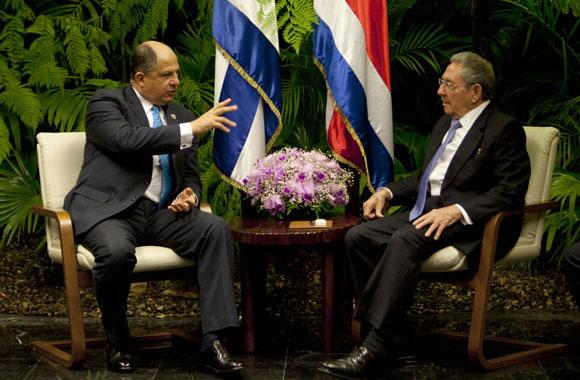 Durante el encuentro se abordó el tema de la presencia de migrantes cubanos en Costa Rica. (Foto ACN)