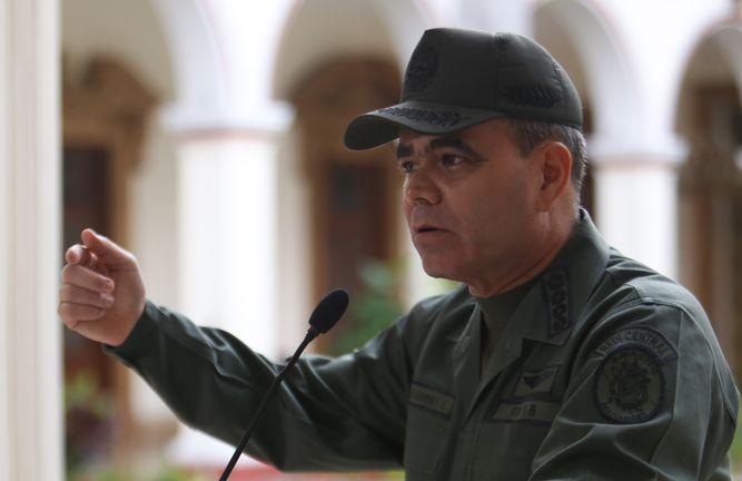 Padrino López exhortó a concluir la jornada en paz y tranquilidad, sin amenazas, sin disturbios en las calles.