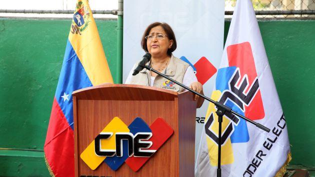 Tibisay Lucena resaltó la gran afluencia de votantes en diversos centros. (Foto AVN)