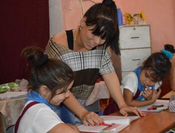En la provincia se busca incentivar el rol de formador de valores que atañe a los educadores cubanos de estos tiempos. (Foto Carlos Luis Sotolongo/Escambray)