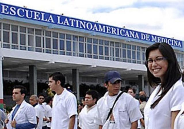 La creación de la Escuela Latinoamericana de Medicina resulta una de las principales contribuciones de la salud cubana al mundo.