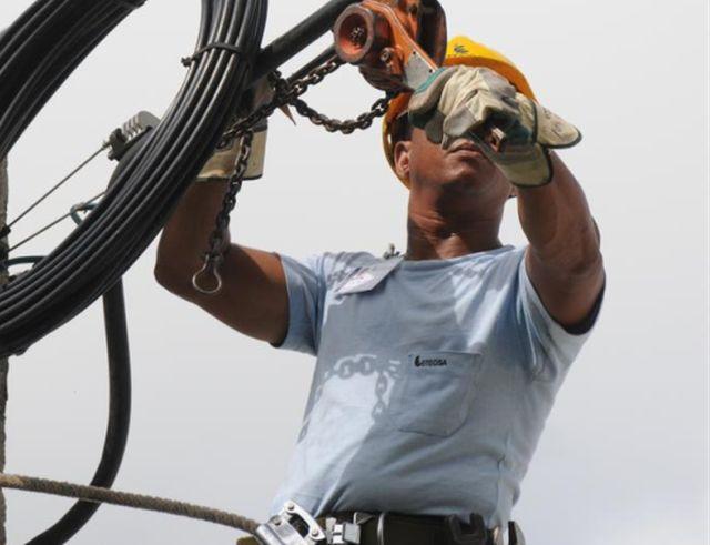 En los últimos años Etecsa desarrolla múltiples labores de ampliación y modernización de sus servicios en la provincia. (Foto Vicente Brito/Escambray)