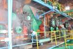 En Tuinucú los trabajadores se empeñan en poner como nuevo el ingenio para la zafra que se avecina.