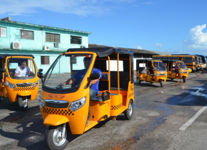 sancti spiritus, moto taxi, taxi, transporte urbano, transporte