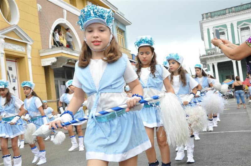 sancti spiritus, desfile martiano, jose marti, niños, niñas