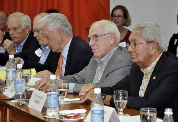 Excongresistas de los Estados Unidos durante un encuentro con diputados cubanos. (Foto ACN)