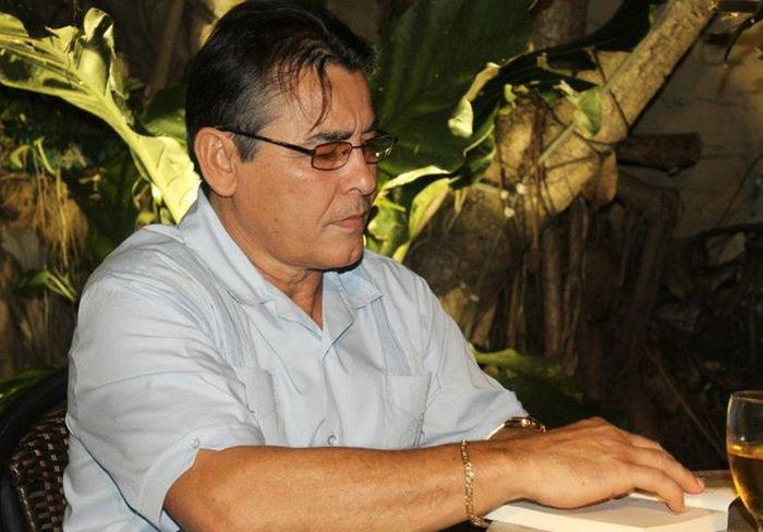 Gumersindo Pacheco sigue contando historias criollísimas que transcurren en escenarios cubanos.