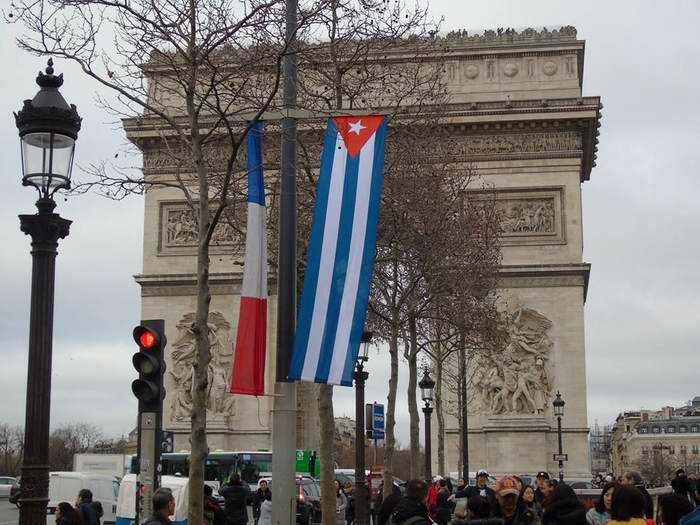 Francia se prepara para la visita de Estado del presidente Raúl Castro.