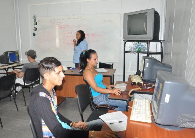 En estas instalaciones prevalece el interés de brindar un servicio de calidad a la familia cubana. (Foto Vicente Brito/Escambray)